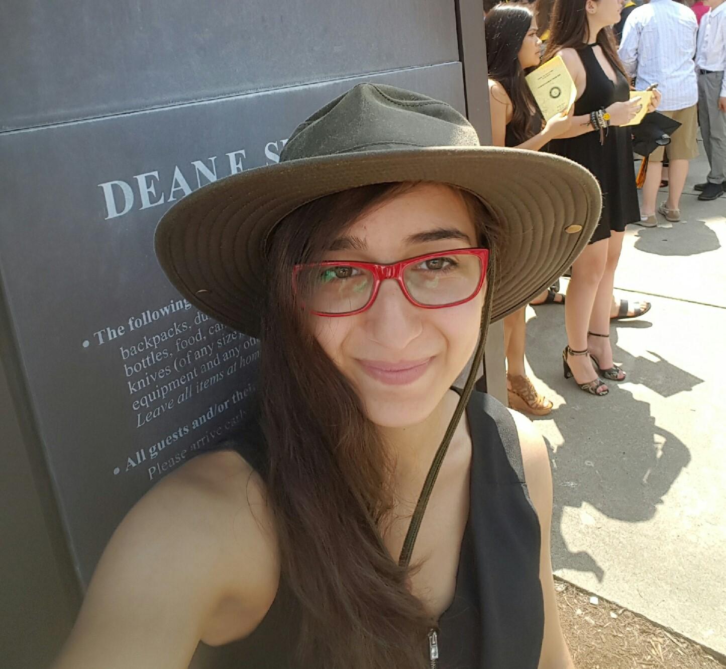 Alexandra Beja-Glasser (Intern)